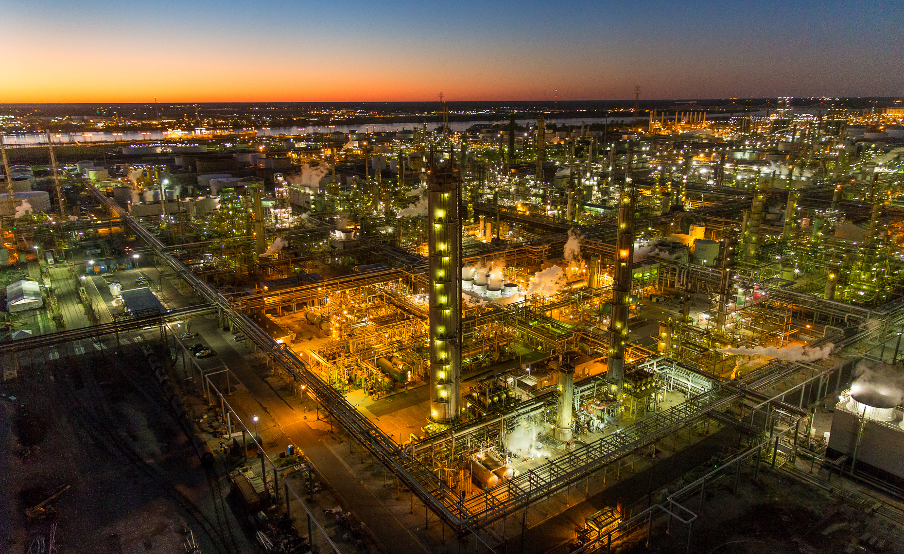SEALE_INDUSTRIAL_LANDSCAPE_REFINERY_COMPLEX_HOUSTON
